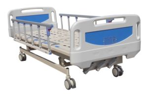 a-11 Triple Crank Manual Patient Healthcare Bed pictures & photos