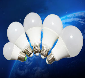 A60 E27 7W LED Light Bulb Plastic + Aluminum pictures & photos
