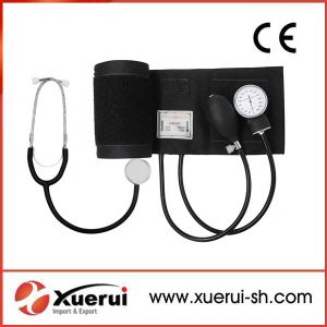 Aneroid Sphygmomanometer Kit with Single Head Stethoscope pictures & photos