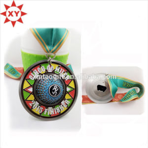 2015 Unique Gift Items Colorful Hat Shaped Bottle Openers pictures & photos