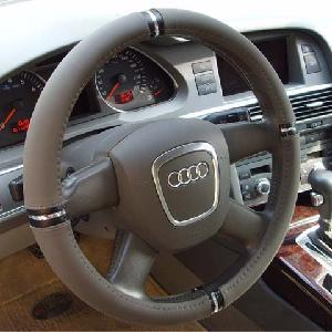 2015 Hot Selling Custom Printed Logo Steering Wheel Cover pictures & photos