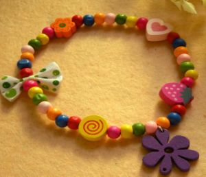 Cute Candy Flower Pet Necklace pictures & photos