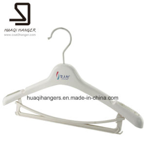 Huaqi Plastic Hanger, Clothes Hanger, Cheap Hanger with Metal Hook pictures & photos