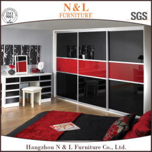 Modern Bedroom Wooden Wardrobe with Sliding Door pictures & photos