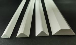 PVC Chamfer Strip/Construction Timber Fillets/ Triangle Wood Strips/ Chamfer Strips pictures & photos
