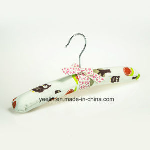 Kids Satin Padded Clothes Hangers with Cartoon Printed (YL-yf12) pictures & photos
