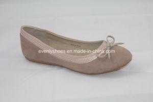 Hot Sales Lady′s Ballet Flats with Lovely Bowknot Decoration pictures & photos