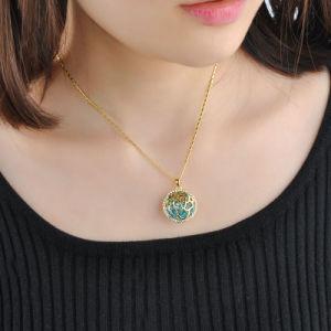 Fashionable Rhinestone Rose Flower Round Pendant Necklace pictures & photos
