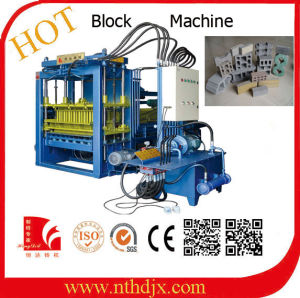 Good Quality Concrete Brick/Block Making Machine (QT5-20) pictures & photos