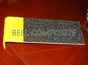 Fibreglass Anti Slip Stair Tread Covers with Yellow Nosings pictures & photos