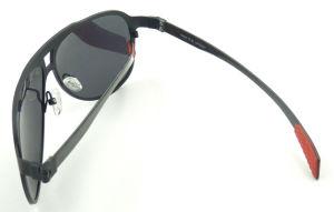 Fqi161370 High Quality Big Frame Titanium Material Metal Sunglasses Polarized Lens pictures & photos