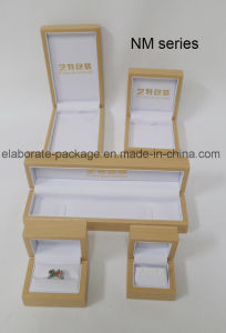 Custom Simple Wooden Jewelry Mini Wholesale Packing Gift Box pictures & photos