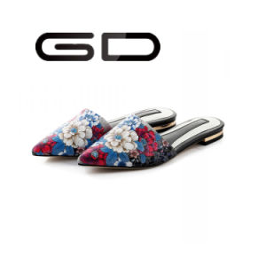 Gdshoe Elegant Flowers Printed Flat Slipper pictures & photos