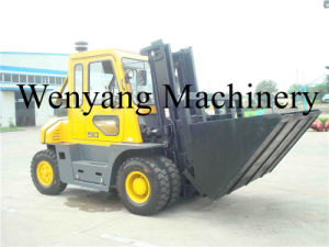China 5ton Diesel Forklift with Full Cab with Dumping Bucket pictures & photos
