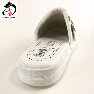 2016 Newest Nurse Shoes Loafer Slipper pictures & photos