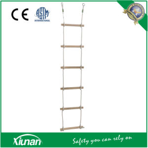 Sturdy Indoor Andoutdoor 6 Rung Rope Climbing Ladder pictures & photos