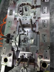 Plastic Injection Tooling Mould pictures & photos