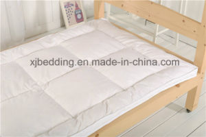 Child Bedding Natural Cotton Fabric Full Size Mattress Topper pictures & photos