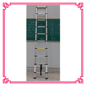 En131 Aluminum Single Telescopic Ladder pictures & photos