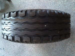F-3 Agricultural Tyre, Combine Harvester Tyre, (10.0/80-12 10.0/75-15.3 11.5/80-15.3) Tractor Tyre pictures & photos
