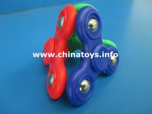 Finger Toy Flashing Hand Finger Spinner Educational Toy (143987) pictures & photos