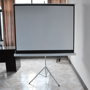 LED Mini Projector Screen Projection