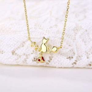 Genuine 925 Sterling Silver Cute Cat Necklace Natural Heart Shaped Garnet Pearl Clavicle Chain for Women pictures & photos