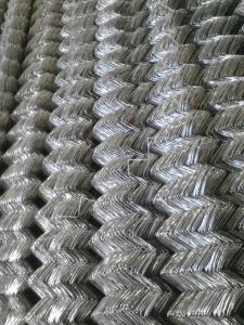 High Quality Galvanized Chain Link Fence Diamond Wire Mesh pictures & photos