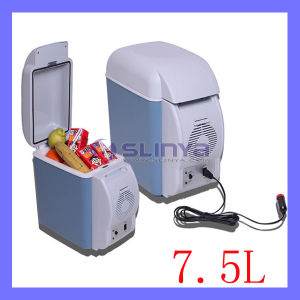 Cooler or Warmer 12V 7.5L Mini Car Refrigerator /Car Small Refrigerator Dual-Use Refrigerator Insulin Breast 6-10lm pictures & photos