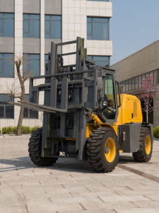 3 Ton Rough Terrain Forklift Cpcy30 pictures & photos