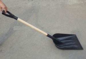 Wooden Handle Plastic Snow Shovel (QFG-S102) pictures & photos