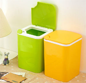 Small Household Office Use Push Plastic Trash Can with Different Color pictures & photos