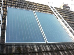 Bluetec Coating Flat Plate Solar Water Heating Collector pictures & photos