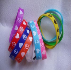 Fashion Custom Silicone Glow Bracelets pictures & photos