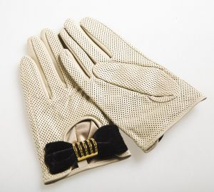 Lady Fashion Goatskin Leather Driving Gloves with Bow Decoration (YKY5083-1) pictures & photos