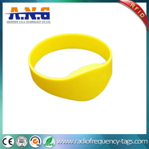 Flexible RFID Silicone Bracelet with 10 Years Endurance pictures & photos