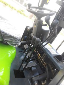 Brand New 3.5ton Diesel Forklift with Isuzu C240 Engine pictures & photos