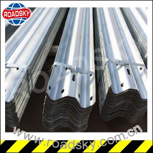 Traffic Safety Hot DIP Metal Galvanized W Beam Guardrail pictures & photos