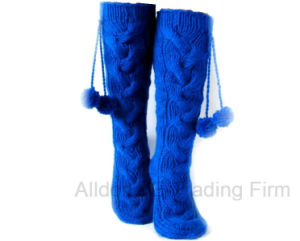 New Fashion POM POM Winter Hand Knitted Indoor Floor Socks pictures & photos
