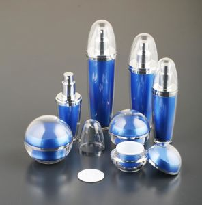 Cosmetic Spherical Shape Acrylic Lotion Bottle pictures & photos
