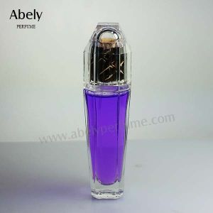 2017 New Crystal Fragrance Bottle with Perfume Sprayer pictures & photos