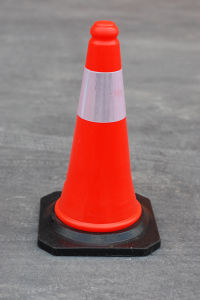 50cm Traffic Cone with 2 Piezas Banda Reflectante pictures & photos