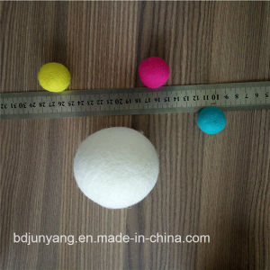 Eco Friengly Organic Wool Felt Dryer Ball pictures & photos