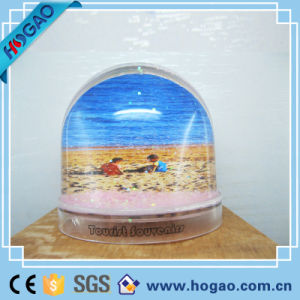 Plastic Dome & Photo Snow Globe pictures & photos