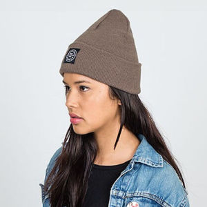 Promotional 4 Stitching Leisure Cuff Knitting Beanie Hat with Woven Logo pictures & photos