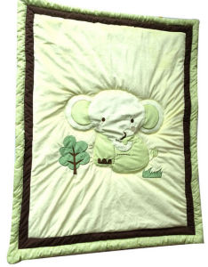 Baby Quilt with Elephant Applique in Green Color for Unisex pictures & photos