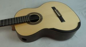 Aiersi Whoelsale Classical Guitar with Raised Fretboard pictures & photos