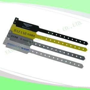 Hospital Custom Vinyl Plastic Wristbands Bracelet Bands (6060B1) pictures & photos