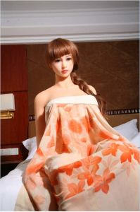 CE Certification Realistic Silicone Love Doll 165cm with Metal Skeleton pictures & photos