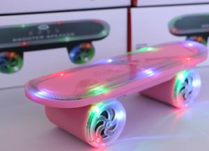Skateboard Shape Creative Wireless Bluetooth Speaker pictures & photos